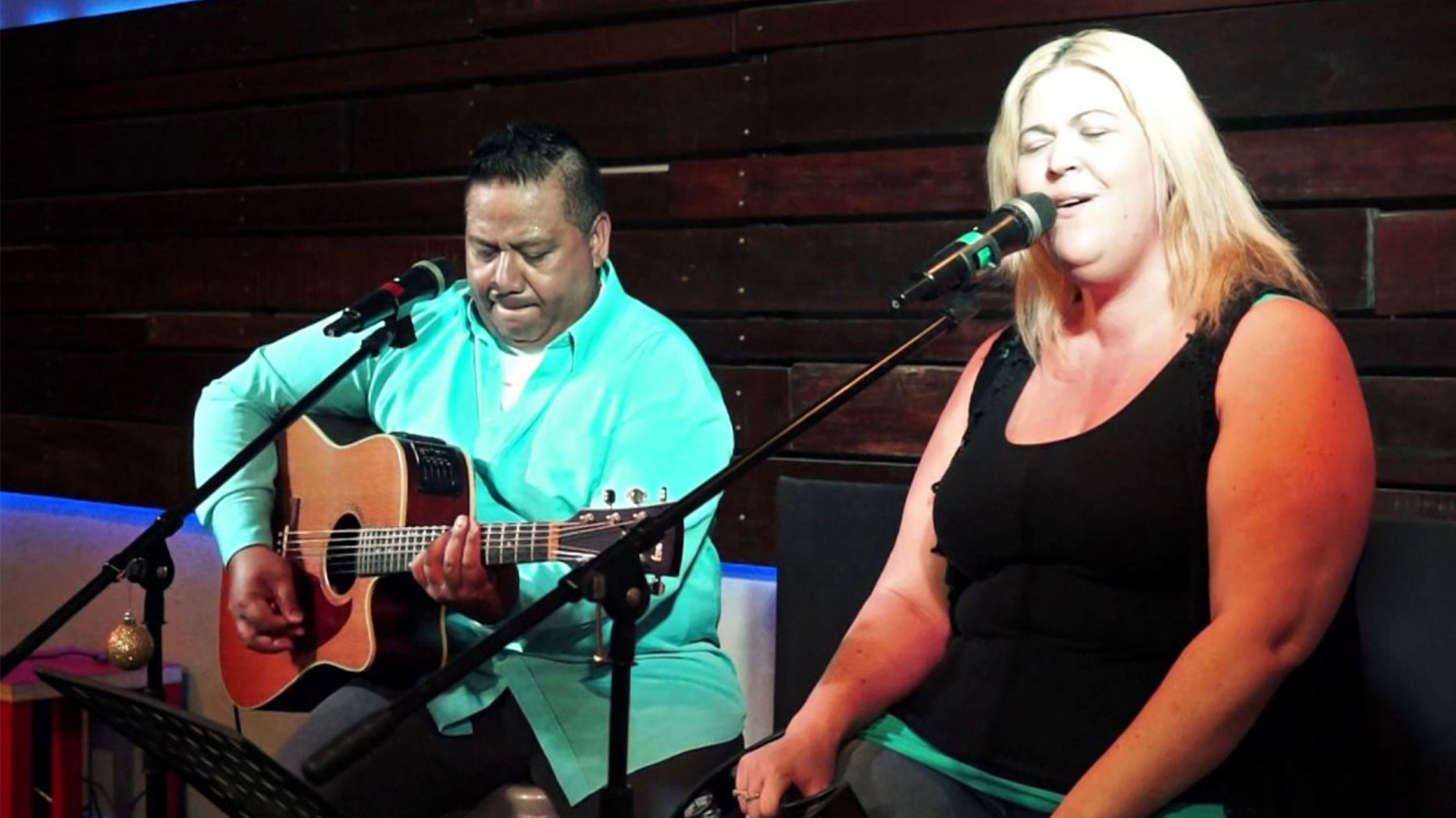 Alexi & Waha at Brothers Leagues Club Cairns